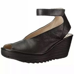 Fly London Yala Wedge Sandals Size 38